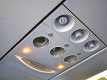 Deckenschalttafel der Passagierflugzeugkabine lizenzfreies stockfoto
