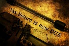 A declaração de rendimentos é agora conceito devido do grunge imagens de stock royalty free