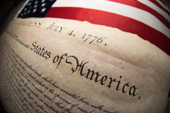 Declaração independência do 4 de julho de 1776 na bandeira dos EUA imagem de stock royalty free