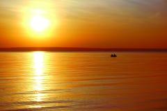 Decline.Fishermen in einem Boot. Stockfotos
