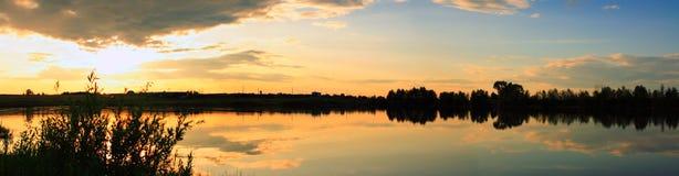 Decline no lago foto de stock