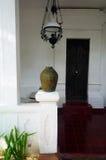 Deco del pórtico de la casa del estilo de Bali fotografía de archivo