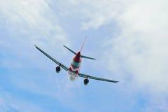 Decolagem de AirAsia Airbus A320 Fotografia de Stock Royalty Free