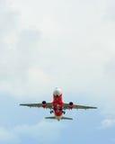 Decolagem de AirAsia Airbus A320 Foto de Stock Royalty Free