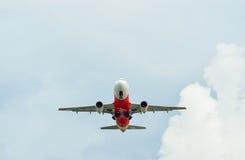 Decolagem de AirAsia Airbus A320 Fotografia de Stock