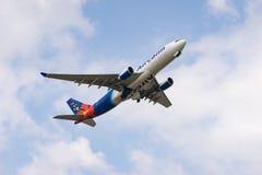 Decolagem de Airbus A330-200 Imagens de Stock
