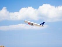 Decolagem escandinava 2 das linhas aéreas Fotos de Stock Royalty Free