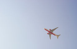 Decollo del jet da Hong Kong International Airport Immagine Stock Libera da Diritti
