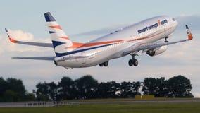 Decollo dell'aereo passeggeri fotografia stock