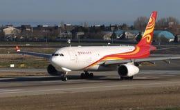 Decollo dell'aeroplano dall'aeroporto fotografia stock libera da diritti