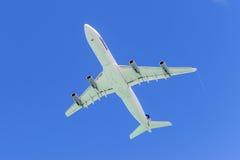 Decollo di Airbus A340 degli aerei Fotografie Stock