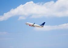 Decollo scandinavo di linee aeree immagini stock