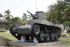Decommission behållaren av det thailändska arméstället som är utomhus- på den nationella minnesmärken för att fira minnet av näst arkivbild