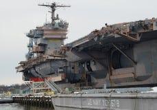 Decommissioned hangarfartyg Arkivbild
