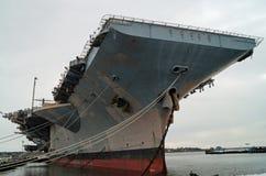 Decommissioned hangarfartyg Royaltyfri Foto