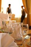 Decor in restaurant. Glasses, napkins Royalty Free Stock Photos