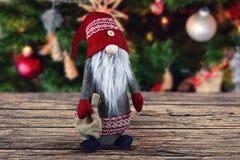 Decoração abstrata do Natal na placa marrom de madeira Imagens de Stock Royalty Free