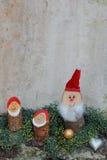 Decoração caseiro rústica do Natal com gnomos Foto de Stock Royalty Free