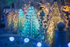 Decoração clara tridimensional do Natal sob a forma das árvores de Natal Imagens de Stock