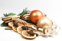 Decoração com as esferas da árvore de Natal imagens de stock royalty free
