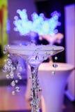 Decoração com vidros e gelo quente para o jantar incorporado do evento ou de gala Fotos de Stock Royalty Free