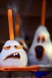 Decoração comestível assustador de Dia das Bruxas da pera Fotos de Stock