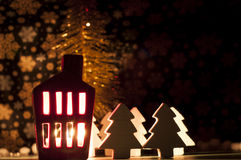 Decoração da casa do Natal com uma luz para dentro Imagem de Stock Royalty Free