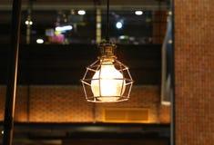 Decoração da iluminação no café fotografia de stock royalty free