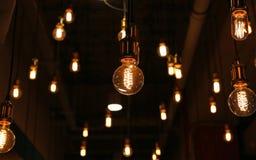 Decoração da iluminação no café imagem de stock