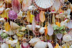 Decoração da lembrança feita de shell coloridos do mar Foto de Stock Royalty Free