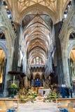 Decoração da Páscoa do teto da nave da catedral de Salisbúria fotos de stock