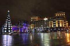 Decoração da rua do Natal do ano novo, Moscou na noite Fotografia de Stock Royalty Free