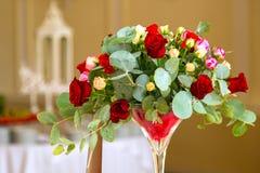 Decoração da tabela com flores Imagem de Stock