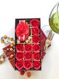 Decoração da tabela do dia de Valentine's fotos de stock royalty free