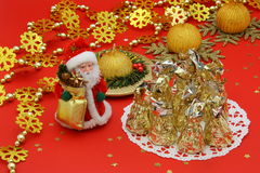 Decoração da tabela do Natal e Santa - foto conservada em estoque Imagens de Stock