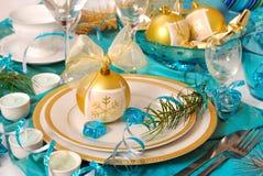 Decoração da tabela do Natal em cores de turquesa Imagens de Stock Royalty Free