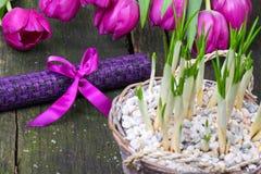 Decoração da tabela para o dia de Valentim Fotografia de Stock Royalty Free