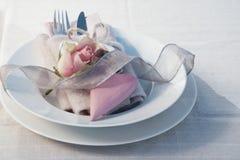 Decoração da tabela para um jantar do dia de mães Fotos de Stock Royalty Free