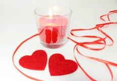 Decoração da vela do fnd de dois corações para o dia de Valentim Imagem de Stock Royalty Free