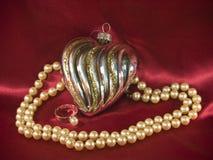 Decoração dada forma coração do Natal com pérolas Fotos de Stock Royalty Free