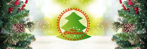 Decoração das árvores de Natal e palavra do Feliz Natal Foto de Stock Royalty Free