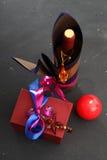 Decoração das garrafas, garrafas de empacotamento do vinho Fotos de Stock Royalty Free