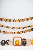 Decoração de Dia das Bruxas no fundo branco Fotos de Stock Royalty Free
