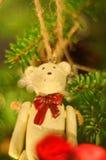 Decoração de madeira do xmas do urso de peluche Fotografia de Stock