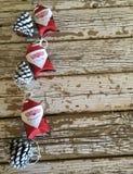 Decoração de Papai Noel na madeira com o espaço para introduzir o texto Fotografia de Stock Royalty Free