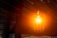 Decoração de suspensão da iluminação da lâmpada da noite imagens de stock