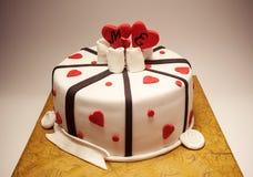 Decoração de um bolo do aniversário Fotografia de Stock Royalty Free