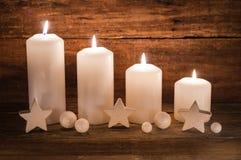 Decoração do advento com velas Fotos de Stock