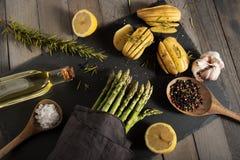Decoração do alimento com aspargo Foto de Stock