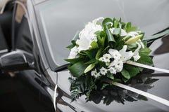 decoração do carro Ramalhete nupcial colorido, acessórios do dia do casamento Imagens de Stock Royalty Free